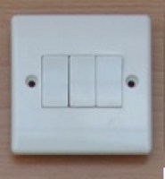 White 10A 3 Gang 2 Way Switch