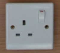 White 1 Gang 13A Socket D Pole